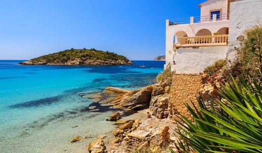 Rate and review a family villa in Spain with flights